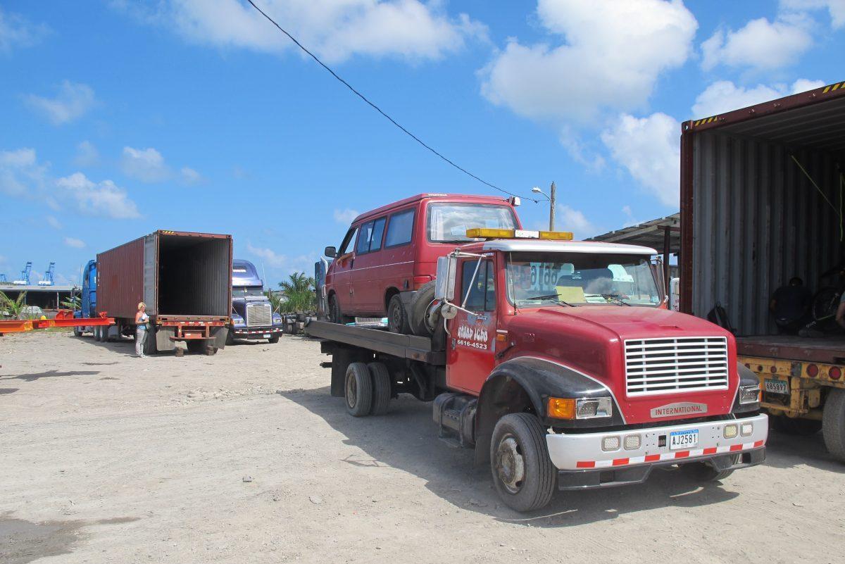 Loading The Van In Colon